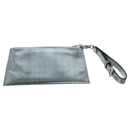 Miu Miu Clutch in Silber-Metallic