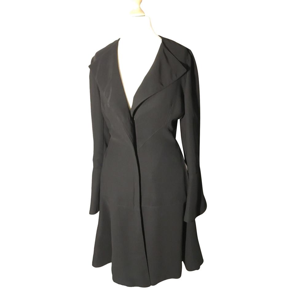 armani mantel second hand armani mantel gebraucht kaufen f r 129 00 1014779. Black Bedroom Furniture Sets. Home Design Ideas