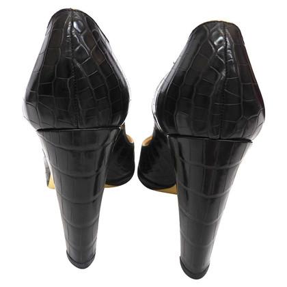 Yves Saint Laurent pumps from Krokoleder