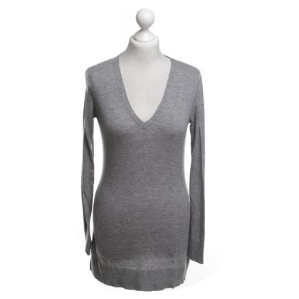 Repeat Cashmere Pullover in Grau