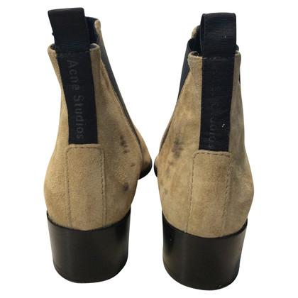Acne bottes