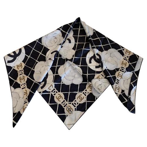 9ab97e0c Chanel Scarf/Shawl Silk in Black - Second Hand Chanel Scarf/Shawl ...