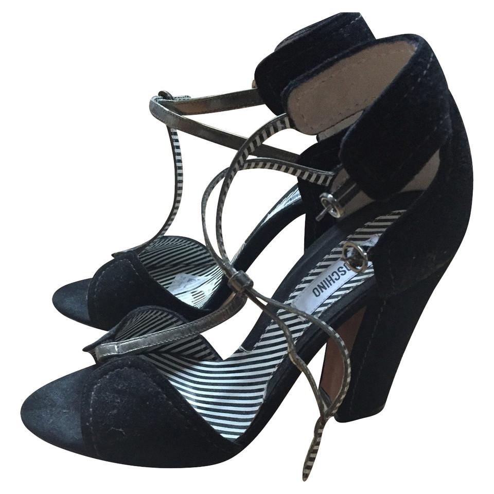 moschino sandalen mit blockabsatz second hand moschino. Black Bedroom Furniture Sets. Home Design Ideas