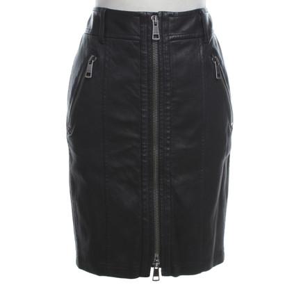Burberry Black Leather skirt