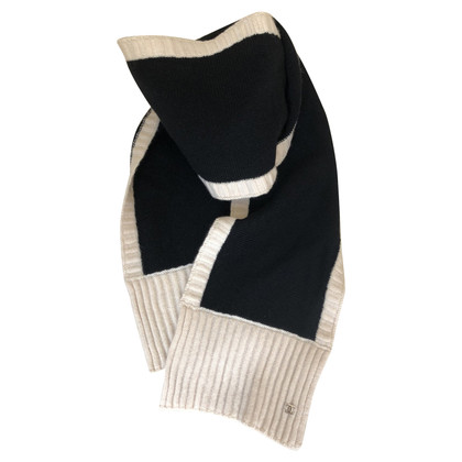 Chanel Cashemere scarf