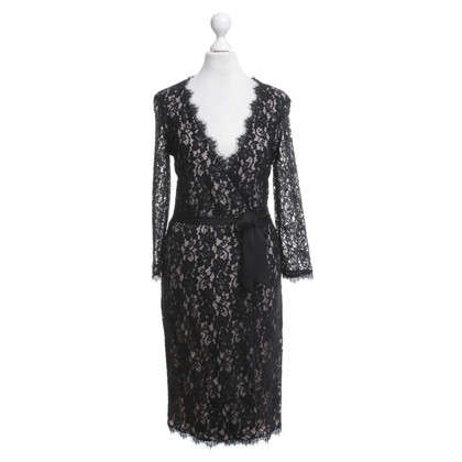 Diane von Furstenberg pizzo wrap dress