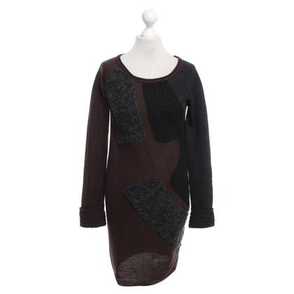 Patrizia Pepe abito in maglia di colore grigio / nero / marrone