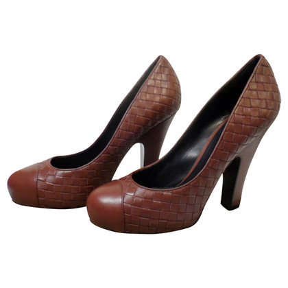 Bottega Veneta pumps con design di vimini
