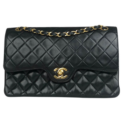 10efb65a40d87 Chanel Classic Flap Bag Medium Leather in Black