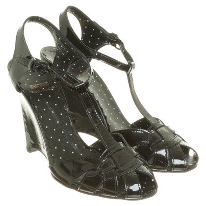 Moschino Cheap and Chic Wedges aus Lackleder