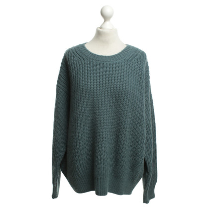 Closed Alpaca sweater with share