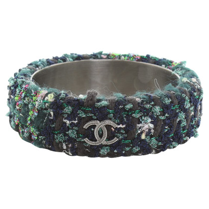 Chanel Bangle gemaakt van boucle