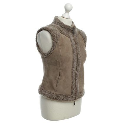 René Lezard Lamb fur vest in grey-beige