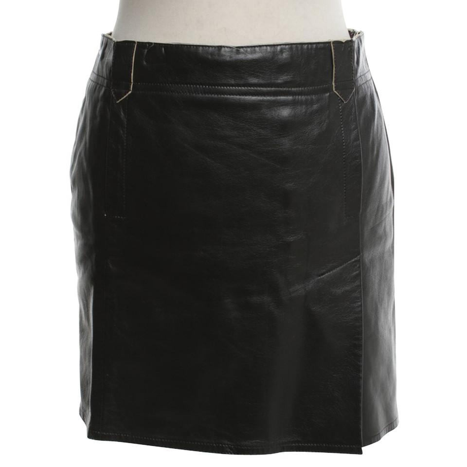 costume national jupe en cuir noir acheter costume national jupe en cuir noir second hand d. Black Bedroom Furniture Sets. Home Design Ideas