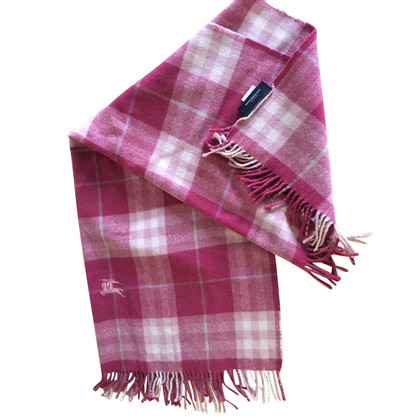 Burberry wool shawl in pink