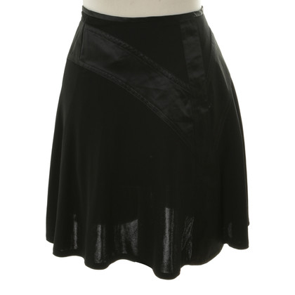 Guy Laroche skirt in black