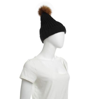 Woolrich Mütze mit Echtfellbommel