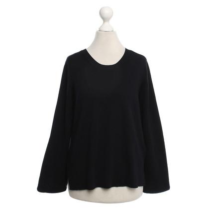 Schumacher Sweater in Black