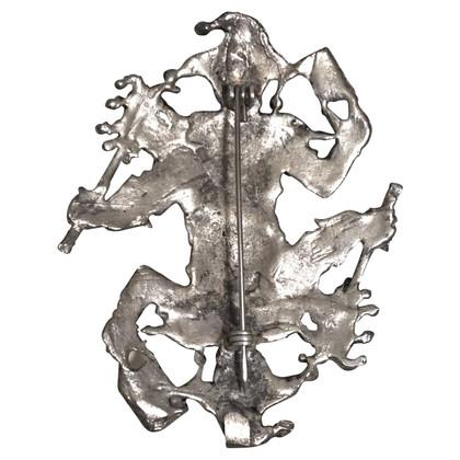 Jean Paul Gaultier spilla