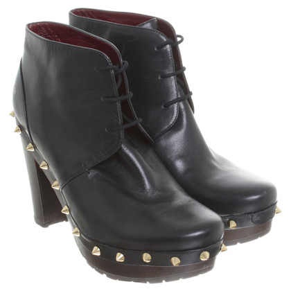 Marc Jacobs Ankle boots with rivets details
