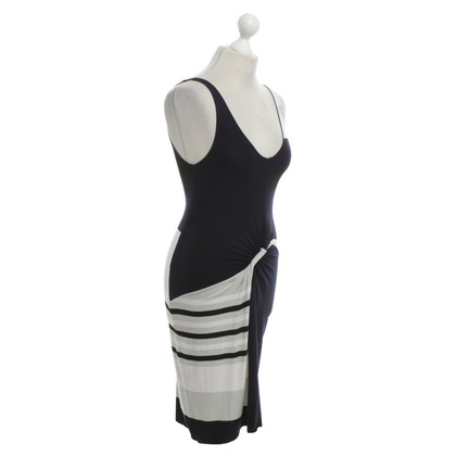 Armani Kleid mit Streifenmuster