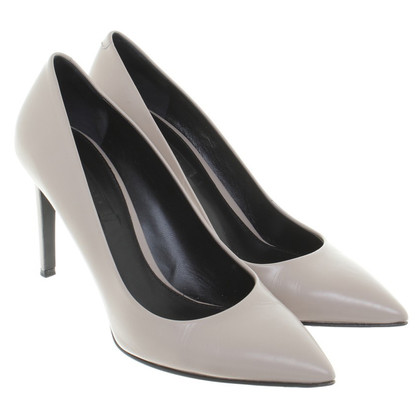 Hugo Boss pumps in Taupe