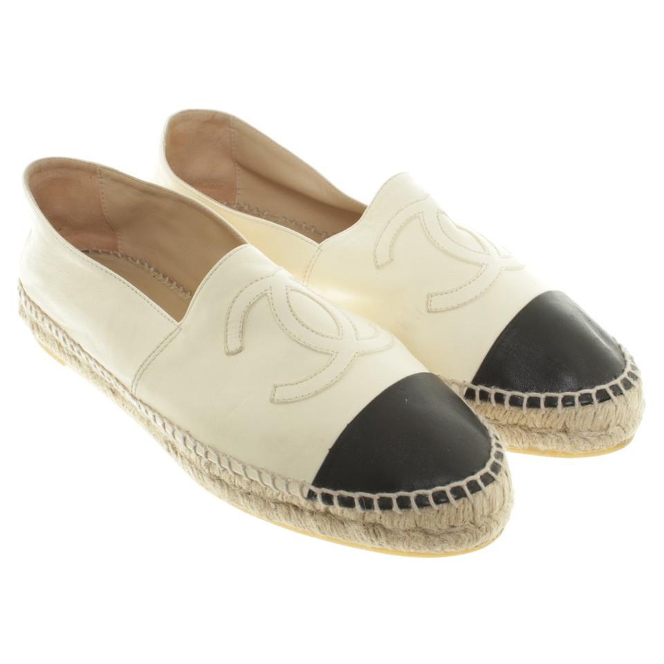 chanel slipper in creme second hand chanel slipper in creme gebraucht kaufen f r 900 00 770982. Black Bedroom Furniture Sets. Home Design Ideas