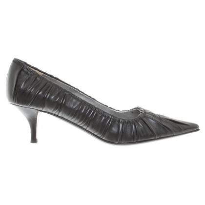 Prada pumps in zwart