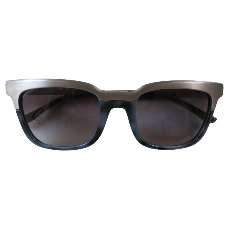 stella mccartney sonnenbrille mit metall second hand stella mccartney sonnenbrille mit metall. Black Bedroom Furniture Sets. Home Design Ideas