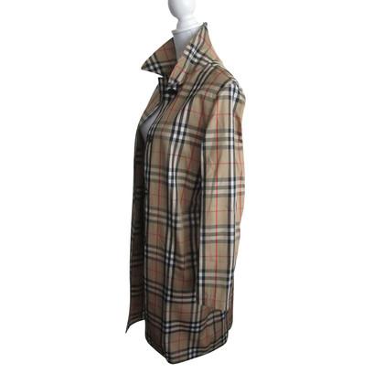 Burberry Rain coat with Nova check pattern