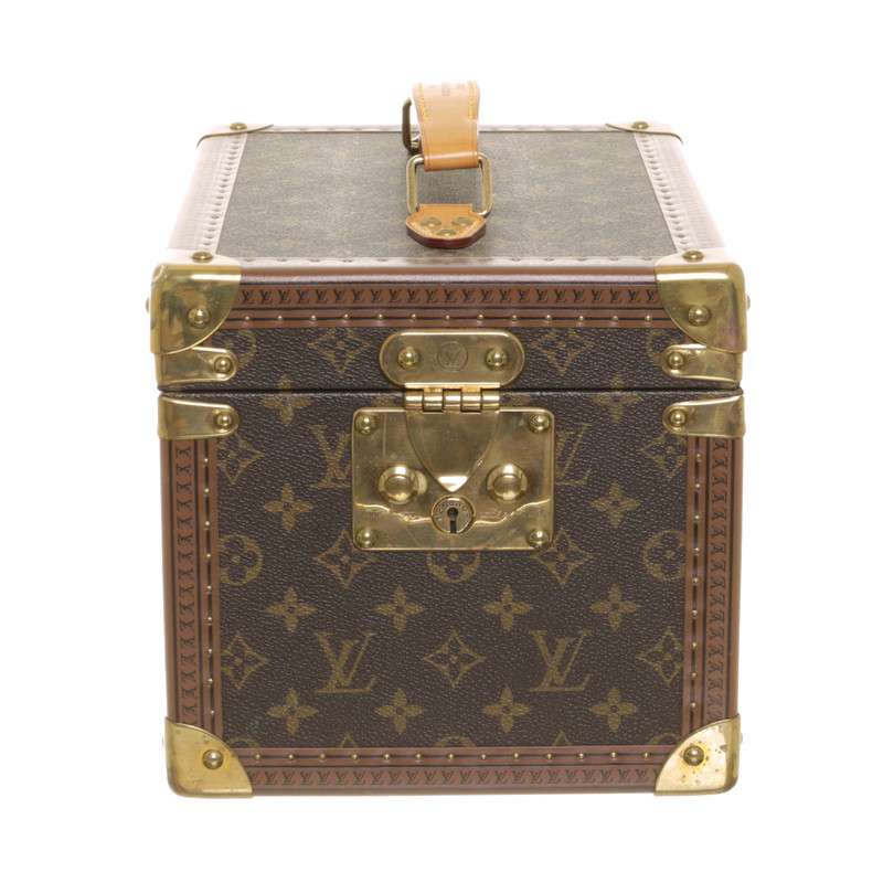 louis vuitton kosmetikkoffer mit monogram muster second hand louis vuitton kosmetikkoffer mit. Black Bedroom Furniture Sets. Home Design Ideas