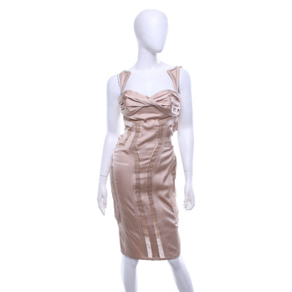 Gucci Form-fitting dress in nude
