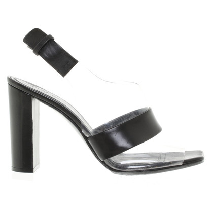 Céline Peeptoes in black
