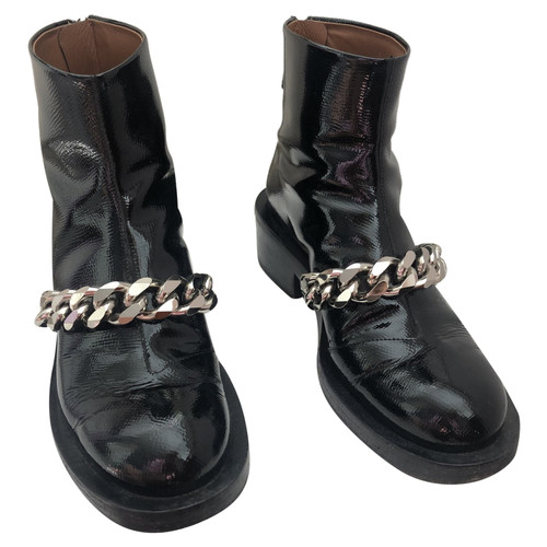 Givenchy Stiefel aus Leder in Schwarz Second Hand Givenchy