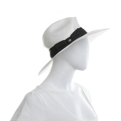 Giorgio Armani Hat in white