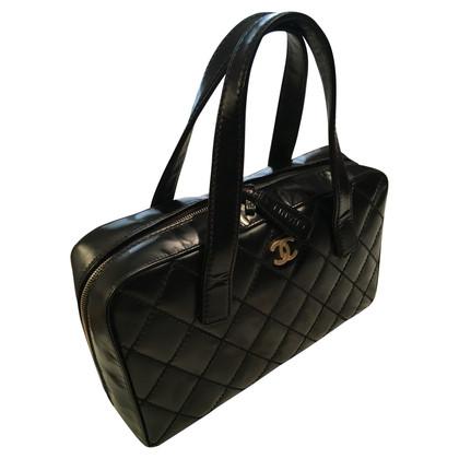 Chanel Lederhandtasche in Schwarz