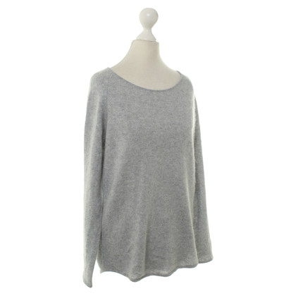Dear Cashmere Cashmere sweater in grey