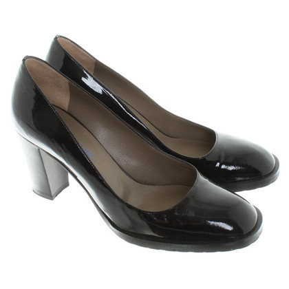 Pollini pumps patent leather