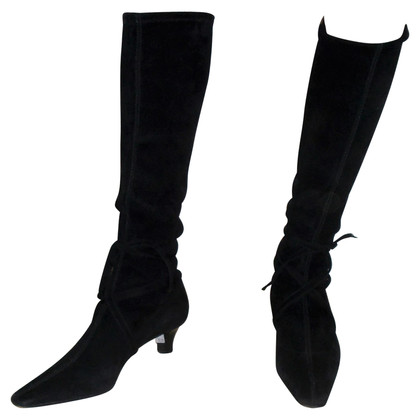 Fratelli Rossetti Black suede boots with kitten heel