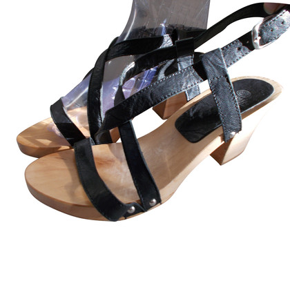 Fred de la Bretoniere Sandals