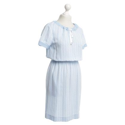 Escada Kleid in Hellblau/Weiß
