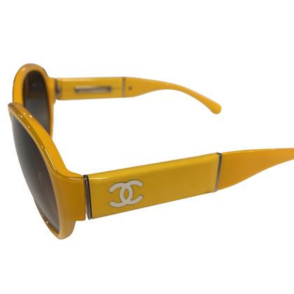 Chanel gele zonnebril