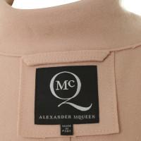 Alexander McQueen Puderfarbener short coat