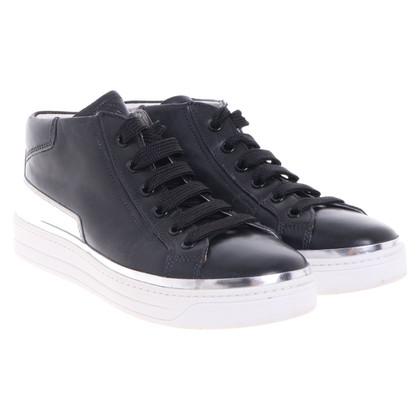 Prada Sneaker in black and white