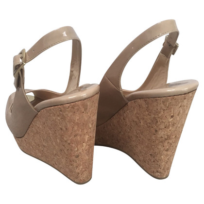 Jimmy Choo Peeptoe-Wedges in Nude