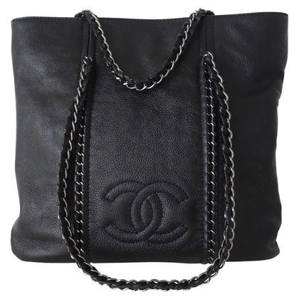 Chanel Shopper