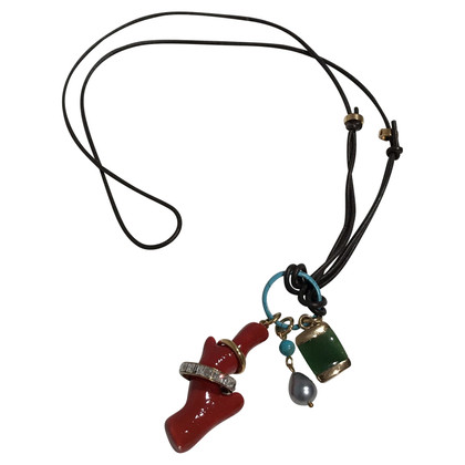 Louis Vuitton Leather necklace with pendants