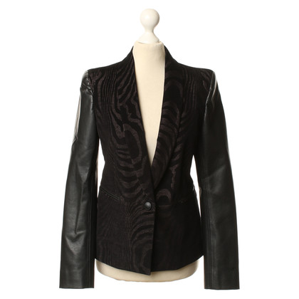 Rich & Royal Blazer with a subtle pattern
