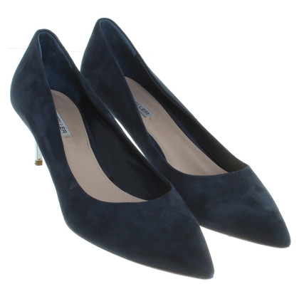 The Seller pumps in blue