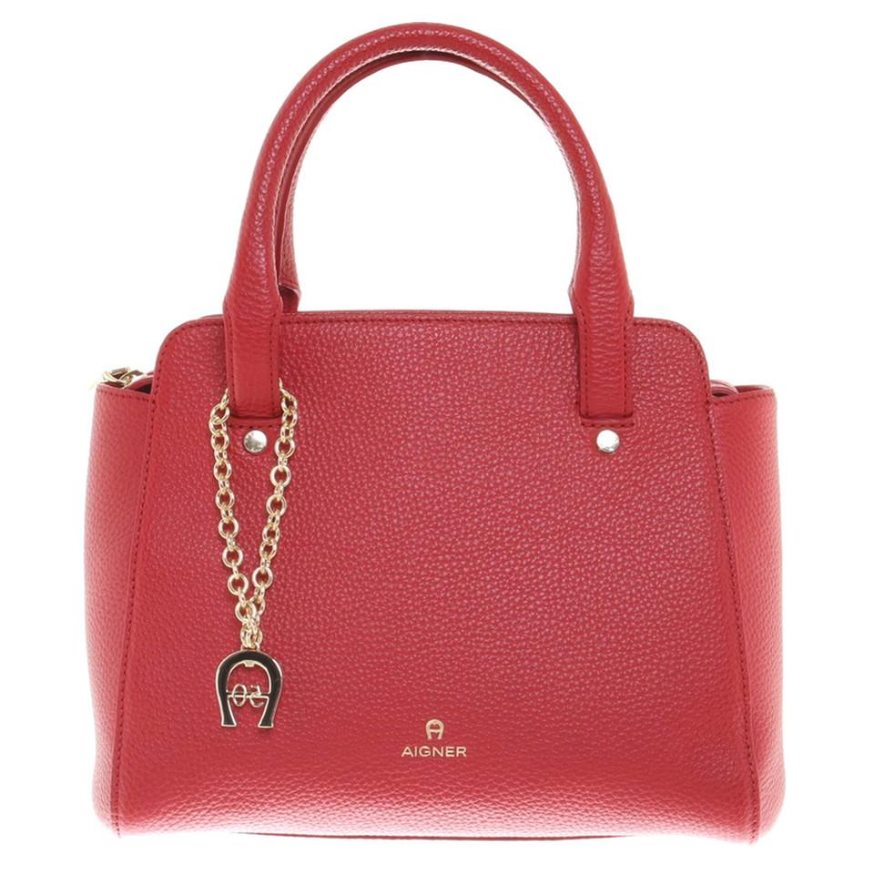 aigner lederhandtasche in rot second hand aigner lederhandtasche in rot gebraucht kaufen f r. Black Bedroom Furniture Sets. Home Design Ideas